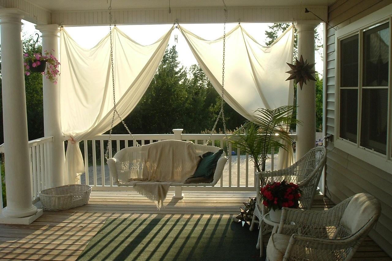 Habimat nuove idee per arredare il portico for Idee di arredo casa