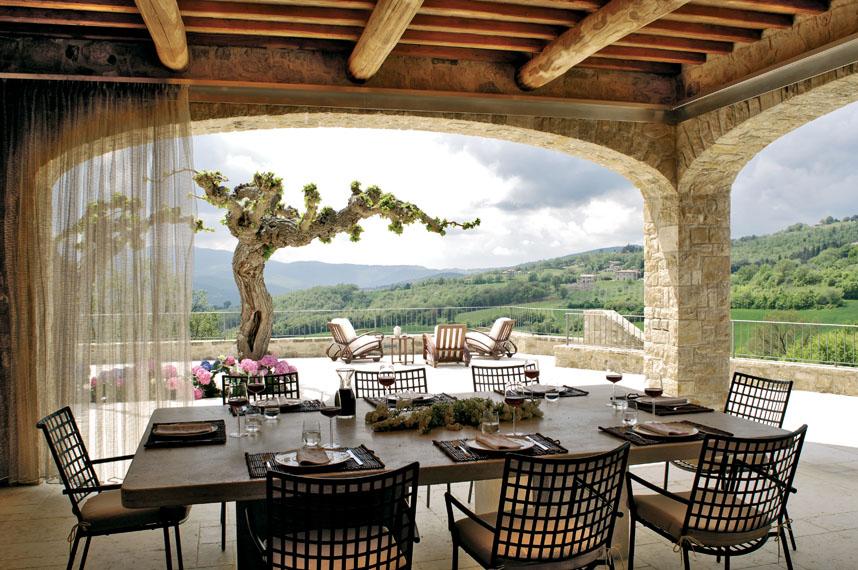 Habimat nuove idee per arredare il portico for Piani casa di campagna con avvolgente portico