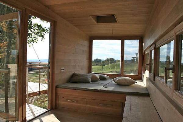 La case sugli alberi dello studio baumraum - Tiny house interni ...