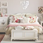 Vintage-bedroom-with-white-walls-housetohome.co.uk