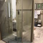 Agha, cabina doccia